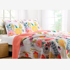 Watercolor Dream Quilt Set by Greenland Home Fashions,
