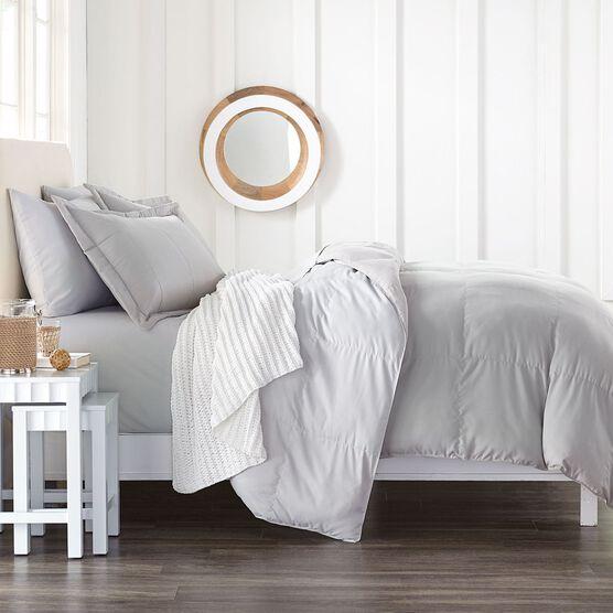 BrylaneHome® Studio Reversible Baffle Box Comforter,