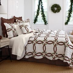 Holly Christmas Quilt Set,