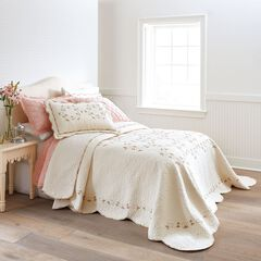 Felisa Bedspread Collection,