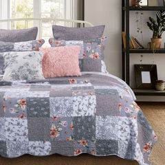 Giulia Quilt Set by Barefoot Bungalow,