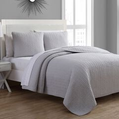Estate Collection Tristan Quilt Set,