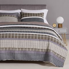 Barefoot Bungalow Gold Rush Gray Quilt and Pillow Sham Set,