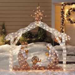 crystal splendor outdoor nativity scene