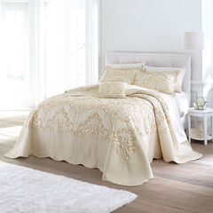 Amelia Bedspread Collection,