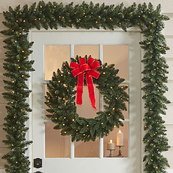 Pre-Lit Arrow Tip Wreath, GREEN