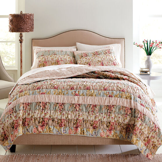 Zoey Floral Print Pieced Quilt,