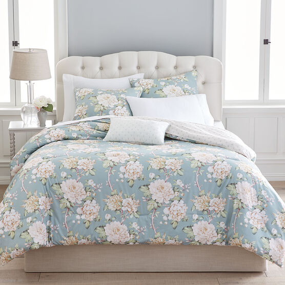 Daphine Floral Comforter,