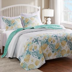 Barefoot Bungalow Grand Bahama Quilt and Pillow Sham Set,