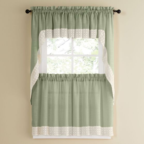 Salem Tier Curtain,