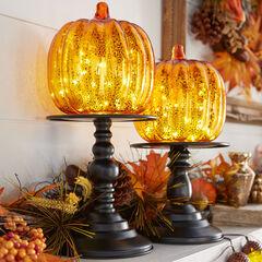 11½' Pre-Lit Pumpkin on Stand,