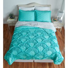 Selena Bedding Collection,