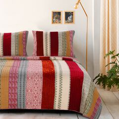 Marley Cranberry Quilt Set by Greenland Home Fashions,