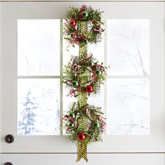 Hanging Wreath Trio,