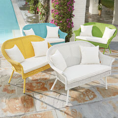Roma Loveseat,