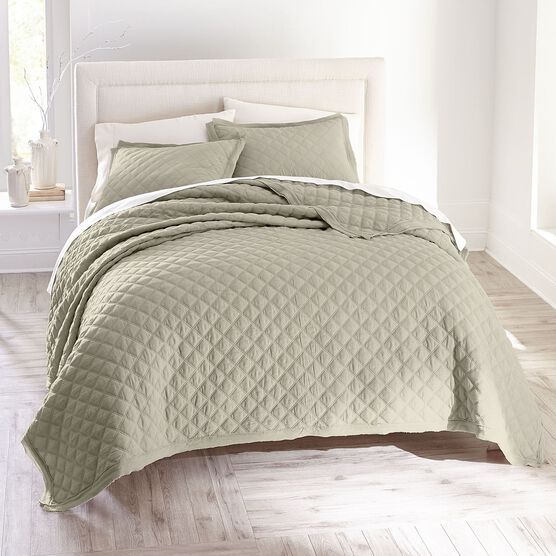 Harper Solid Diamond Quilt,