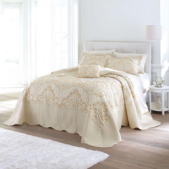 Amelia Bedspread Collection Plus Size Bedding