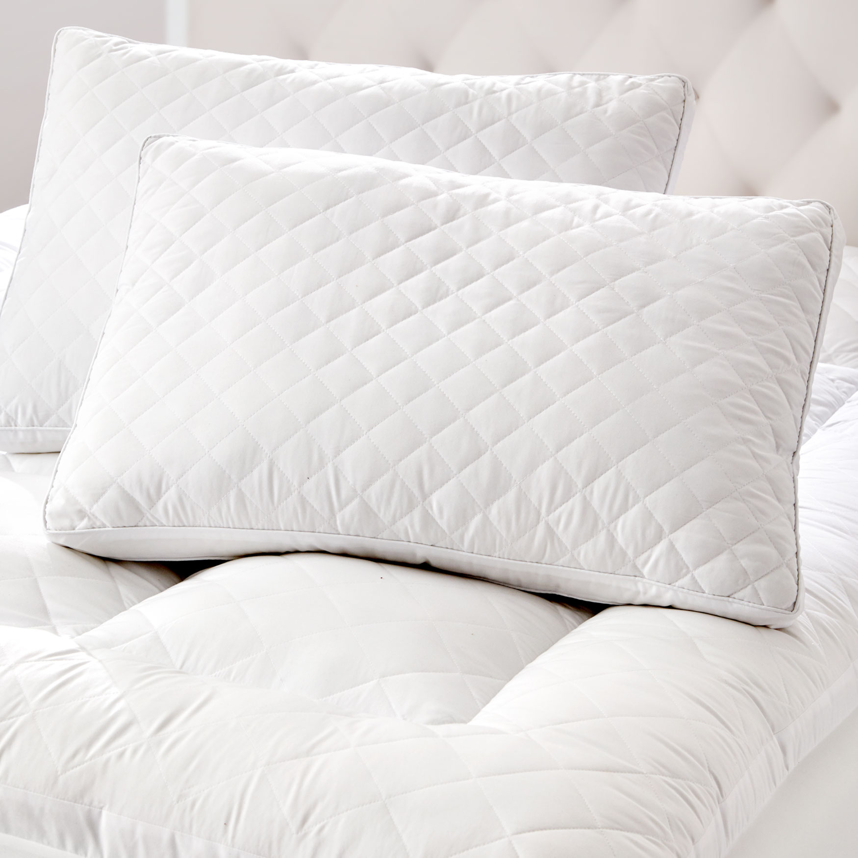 Small Diamond Quilted Pillow, WHITE