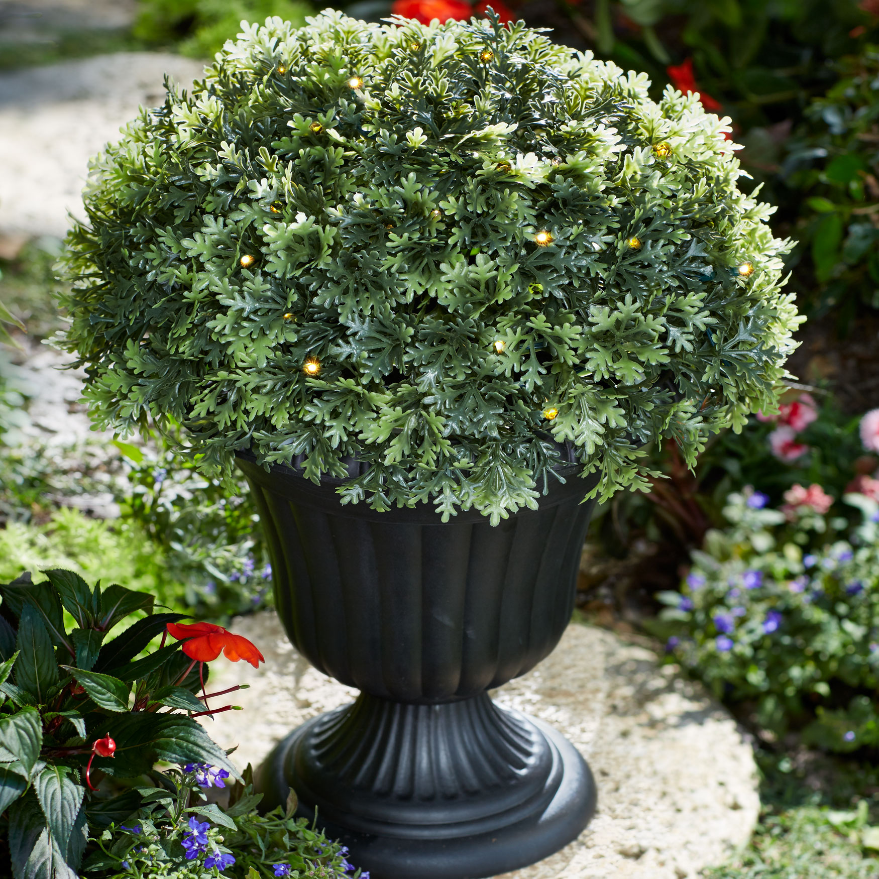 Pre-Lit Topiary Urn, GREEN