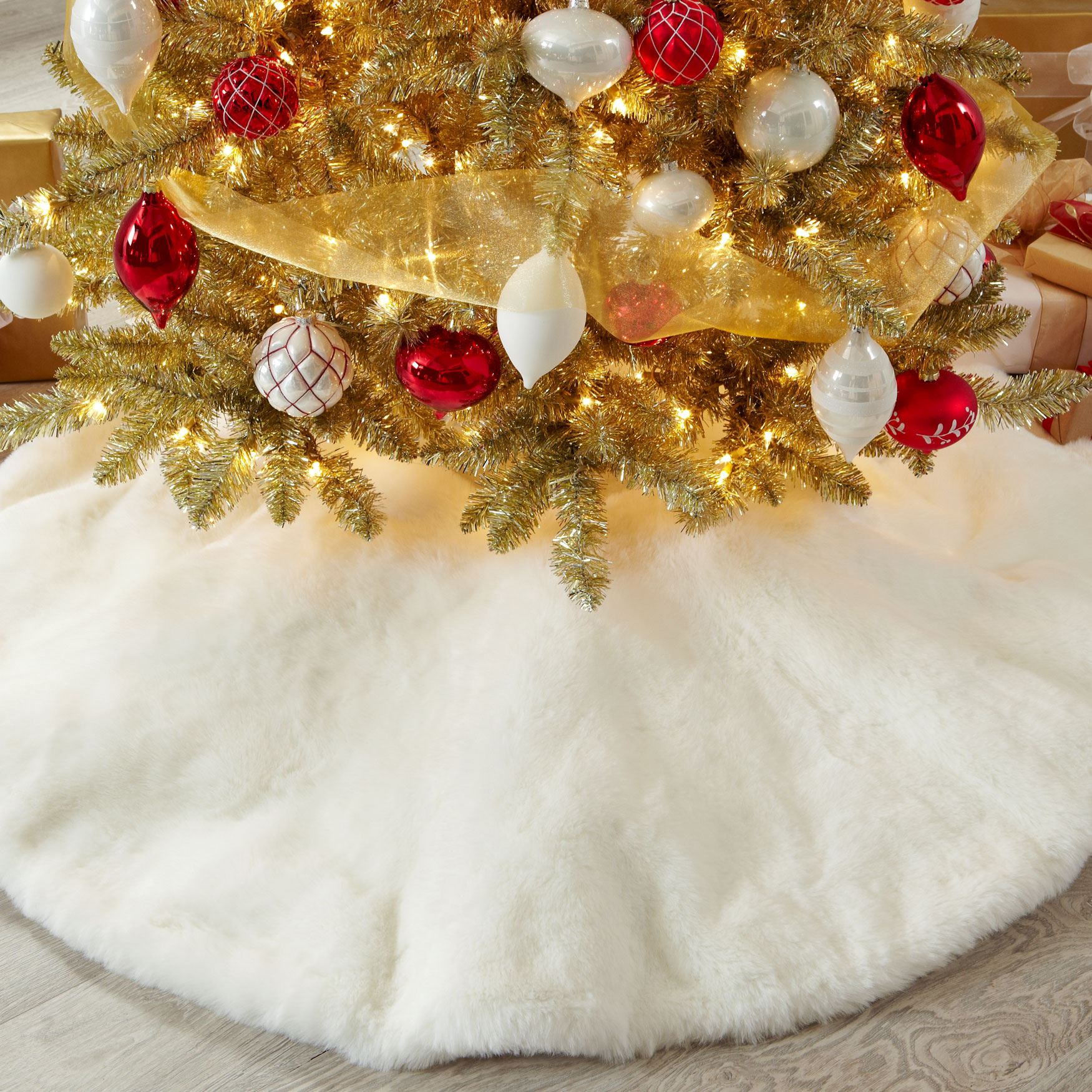 Small Faux-Fur Tree Skirt,