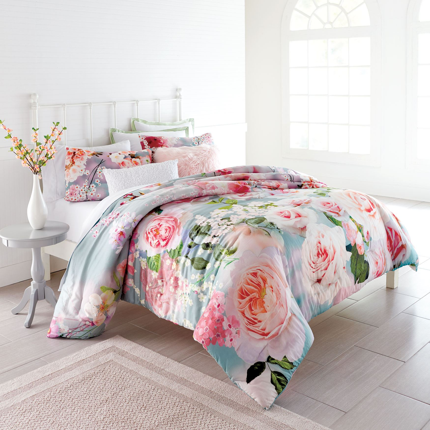 Summer Blossom Comforter Collection,
