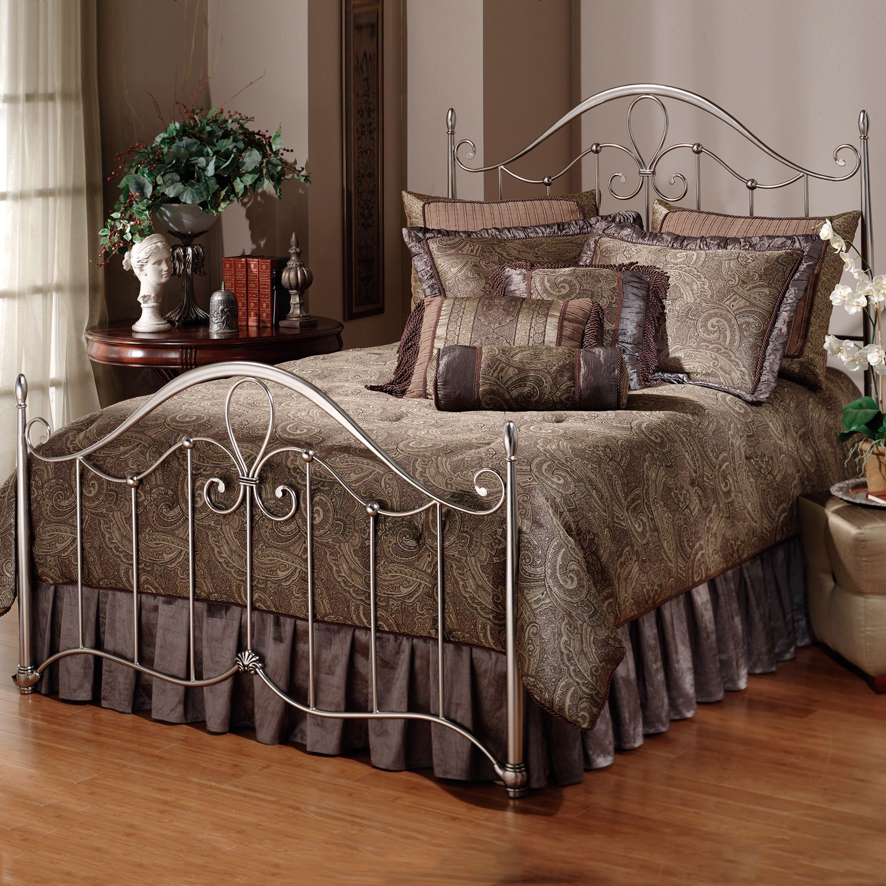 Queen Bed with Bed Frame, 83½'Lx60¾'Wx55'H,