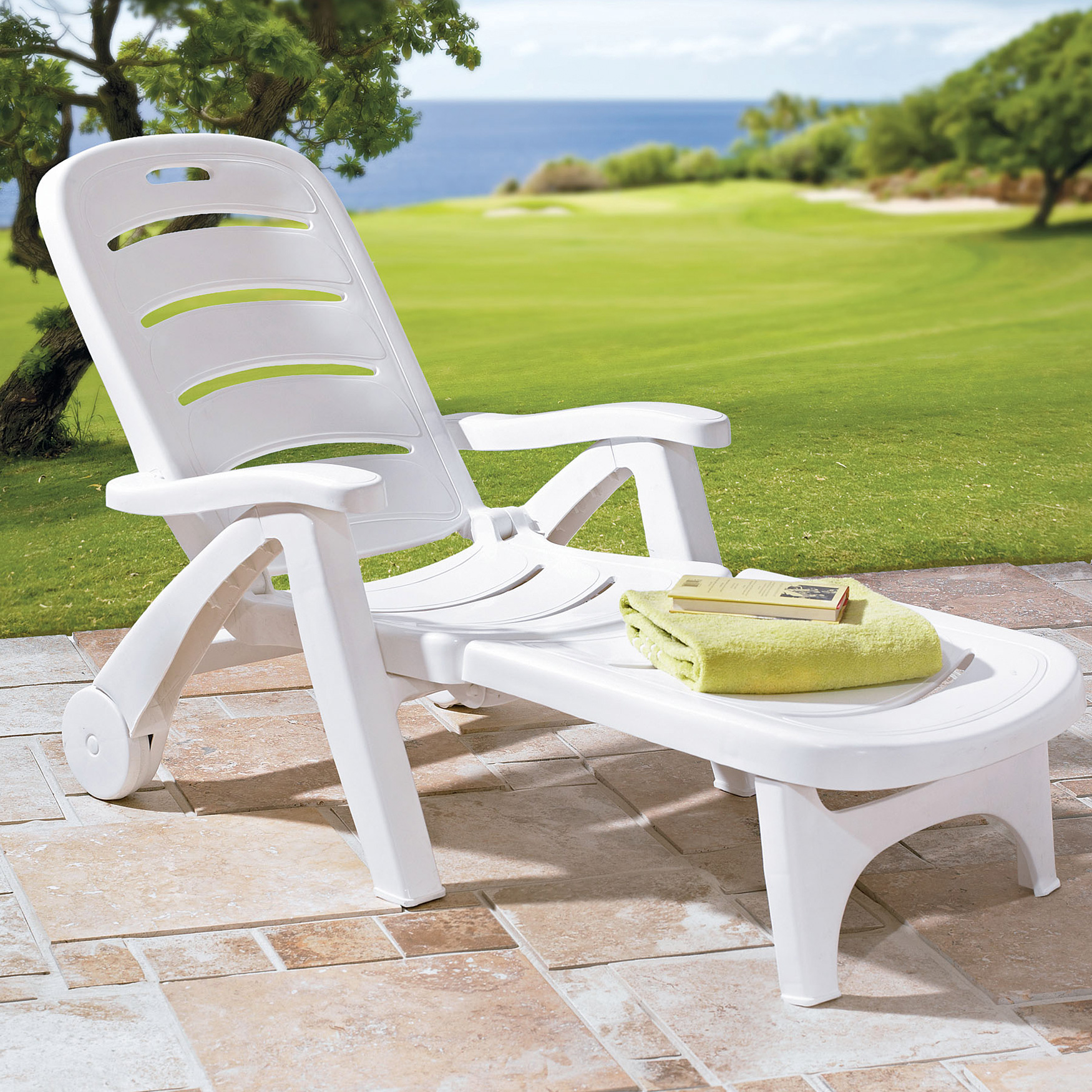 Resin Folding Lounger, WHITE