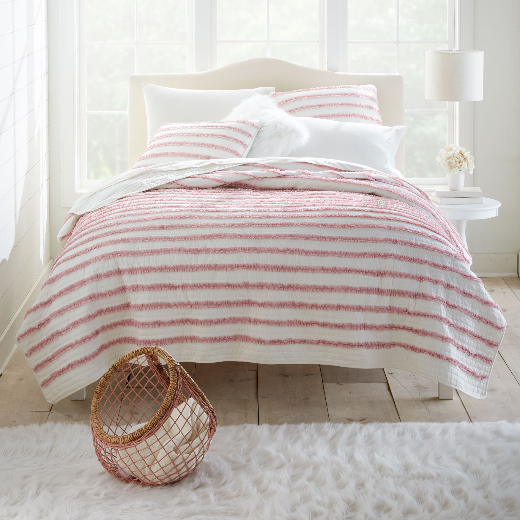 Ruby Ruffle Quilt Set,
