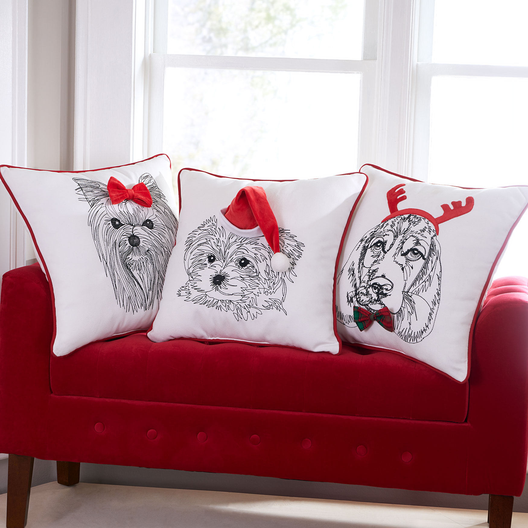 Holiday Dog with Hat Pillow, RED WHITE