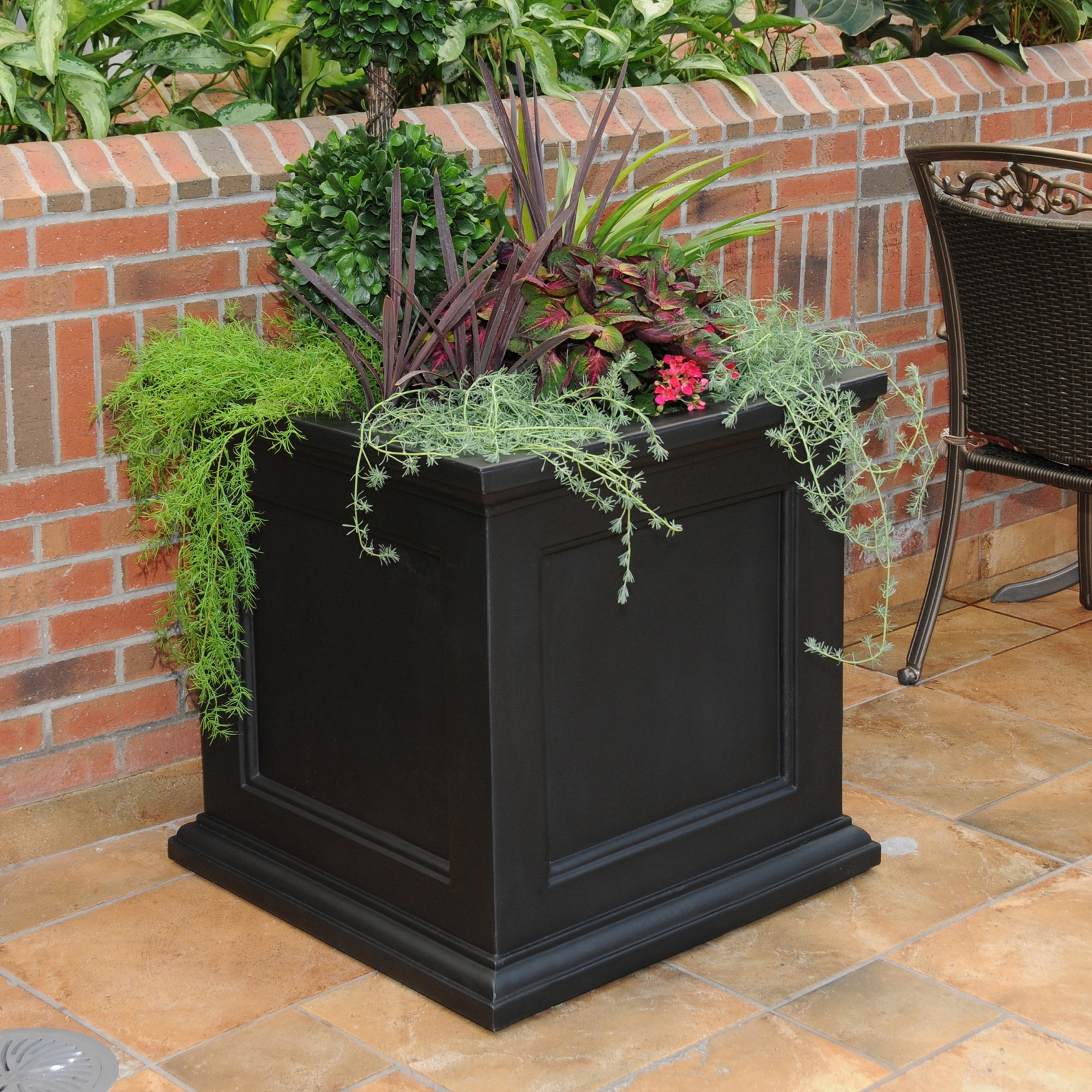 "Fairfield 28"" Square Planter, BLACK"