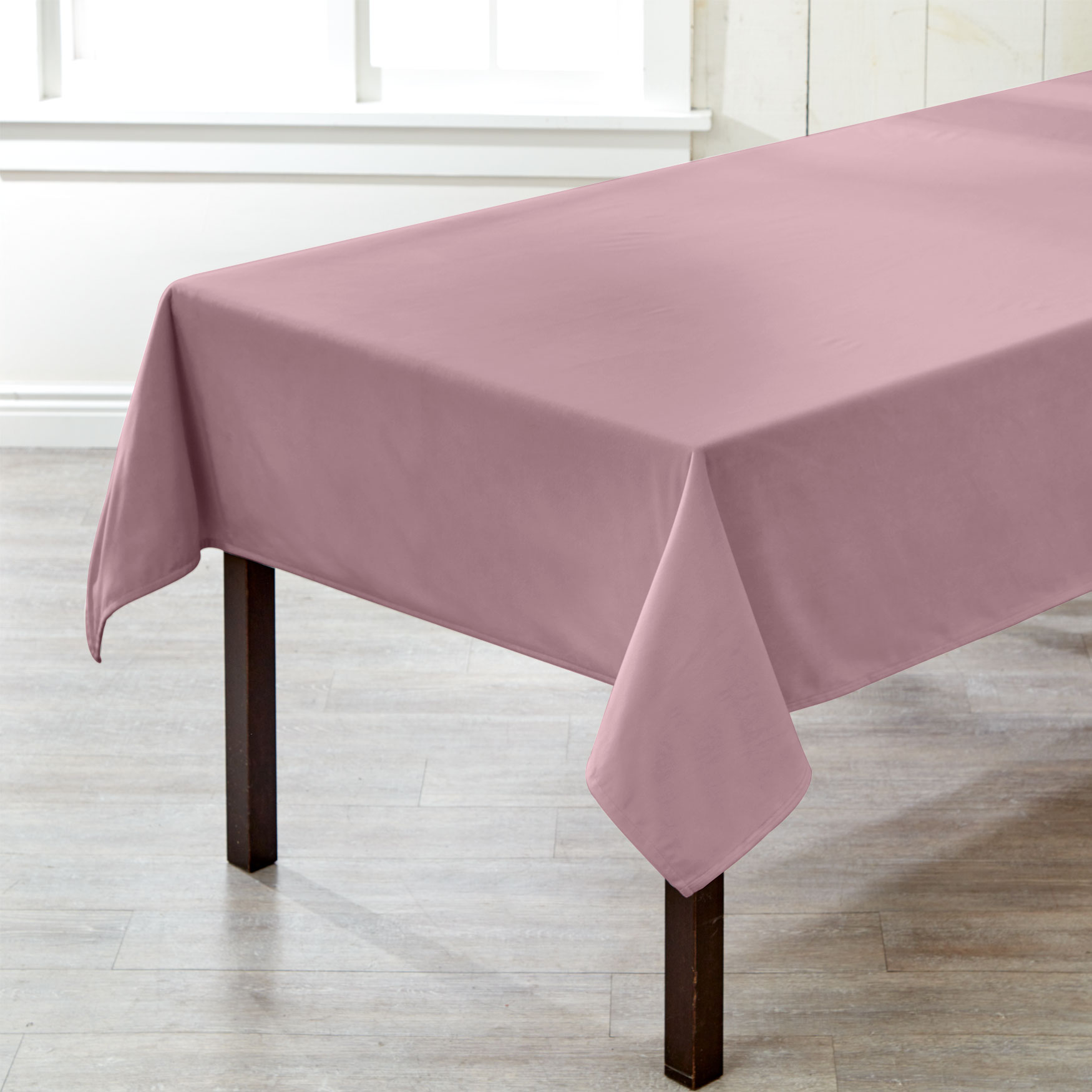 "60"" x 84"" Venice Velvet Tablecloth ,"