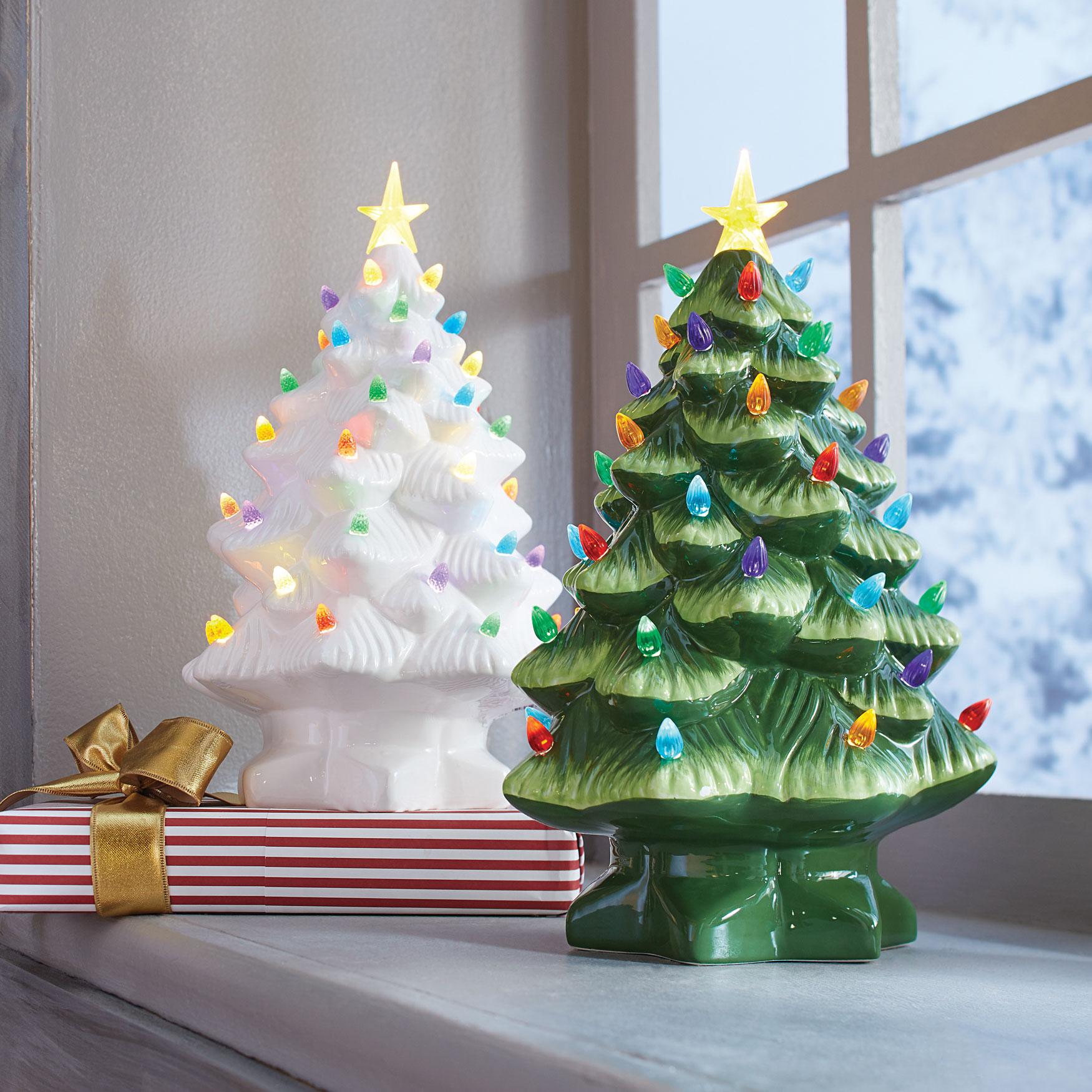 Pre-Lit Nostalgic Porcelain Christmas Tree , WHITE