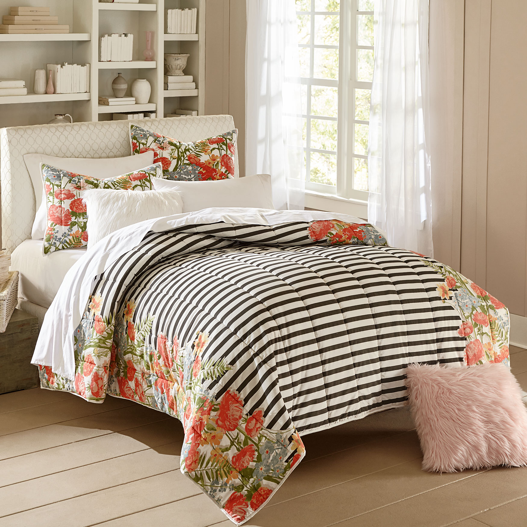 Bria Striped Floral Quilt,