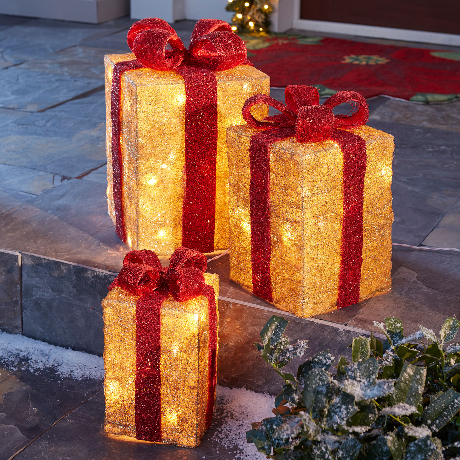 Pre-Lit Gift Boxes, Set of 3, MULTI