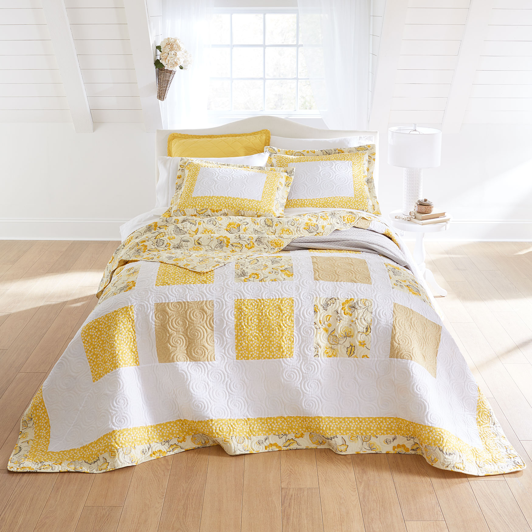 Dahlia Floral Bedspread Collection,