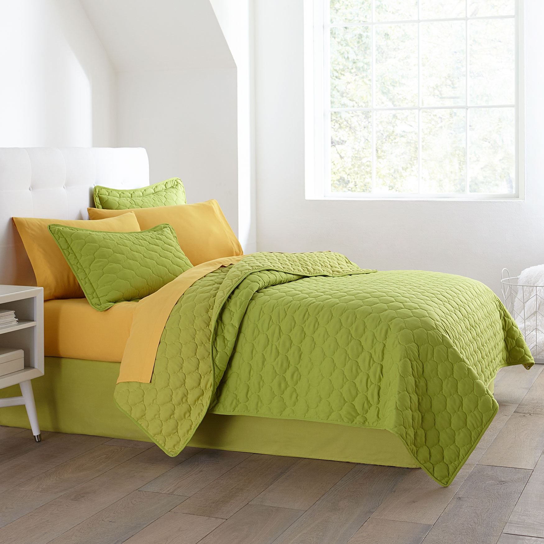 Awesome BrylaneHome® Studio Quilt Collection,