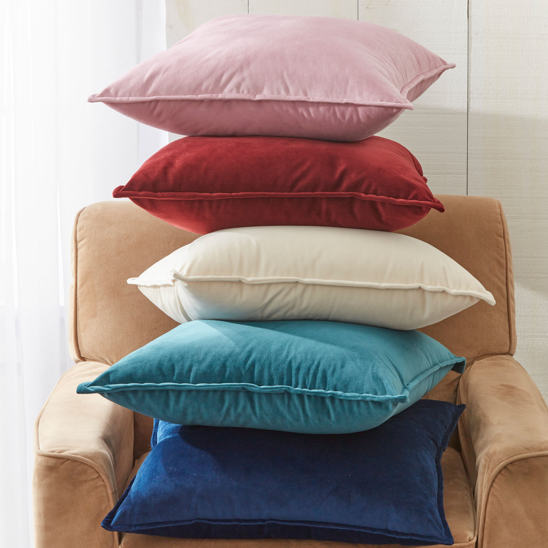 Throw Pillows & Poufs