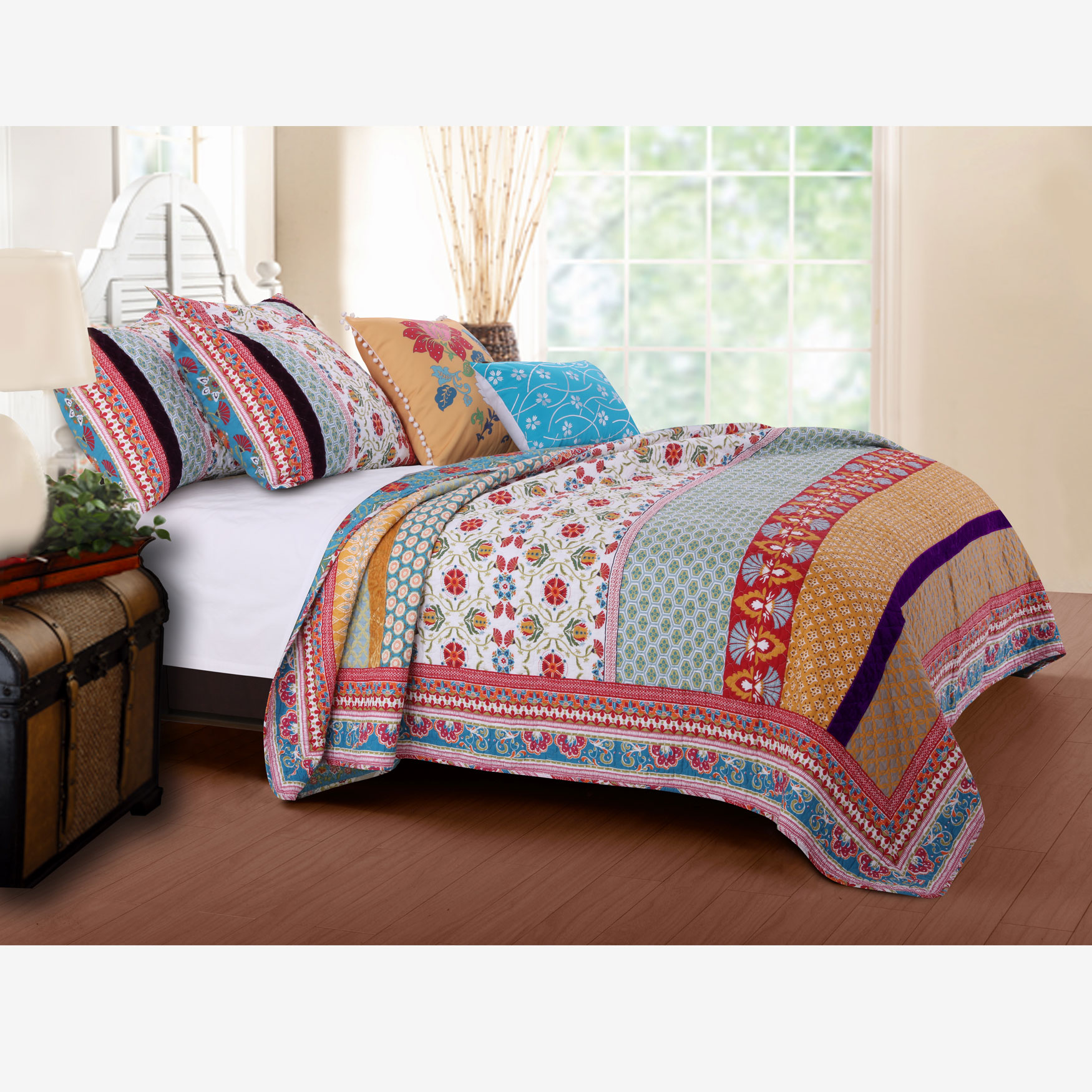 Thalia Quilt Set by Greenland Home Fashions,