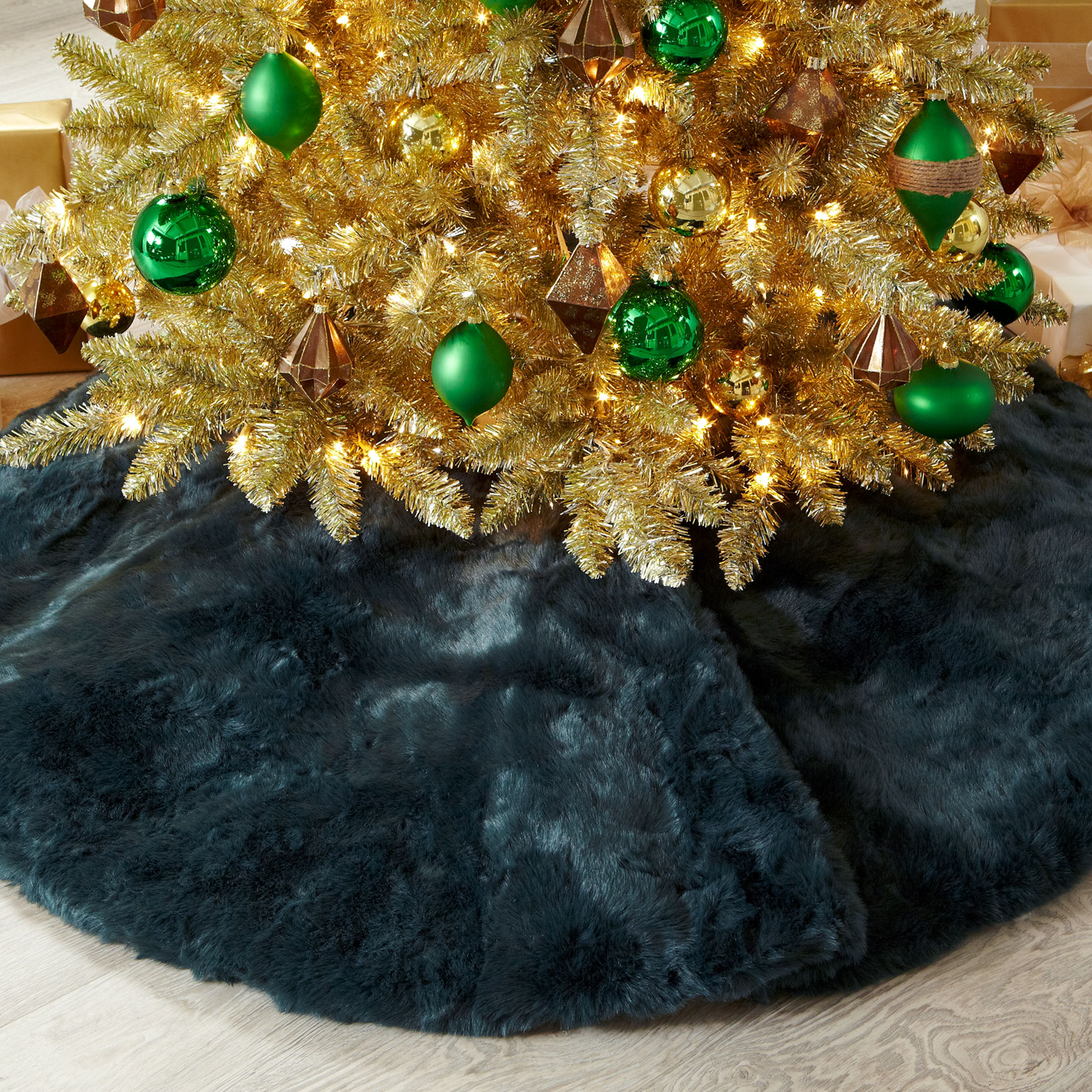 Large Faux-Fur Tree Skirt , EVERGREEN