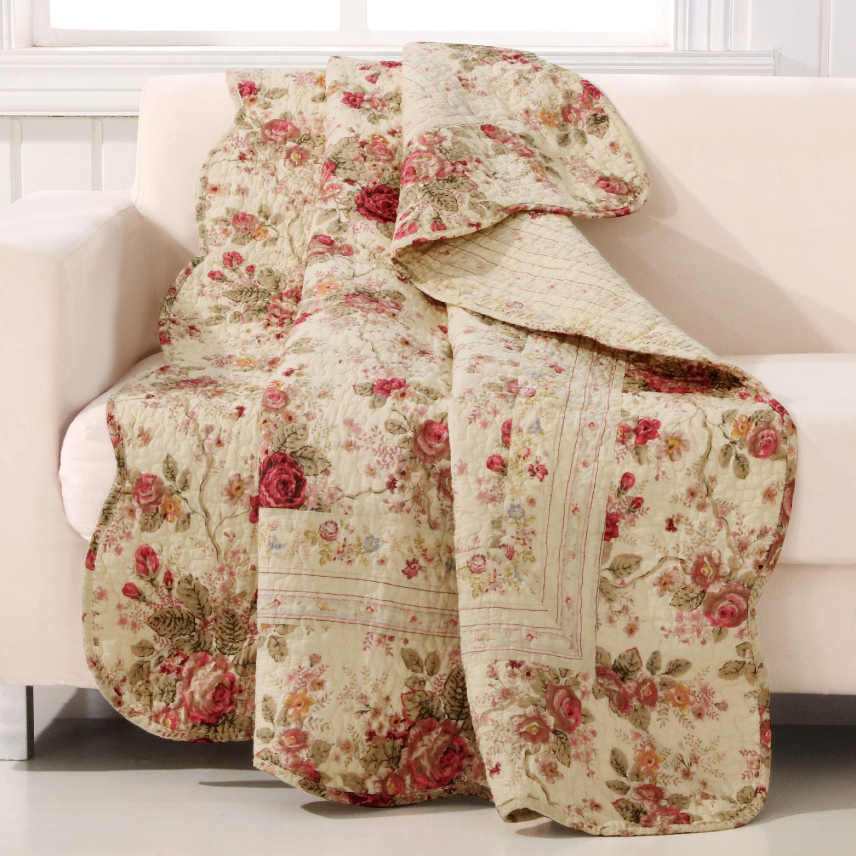 Greenland Home Fashions Antique Rose Quilted Throw Blanket, MULTI