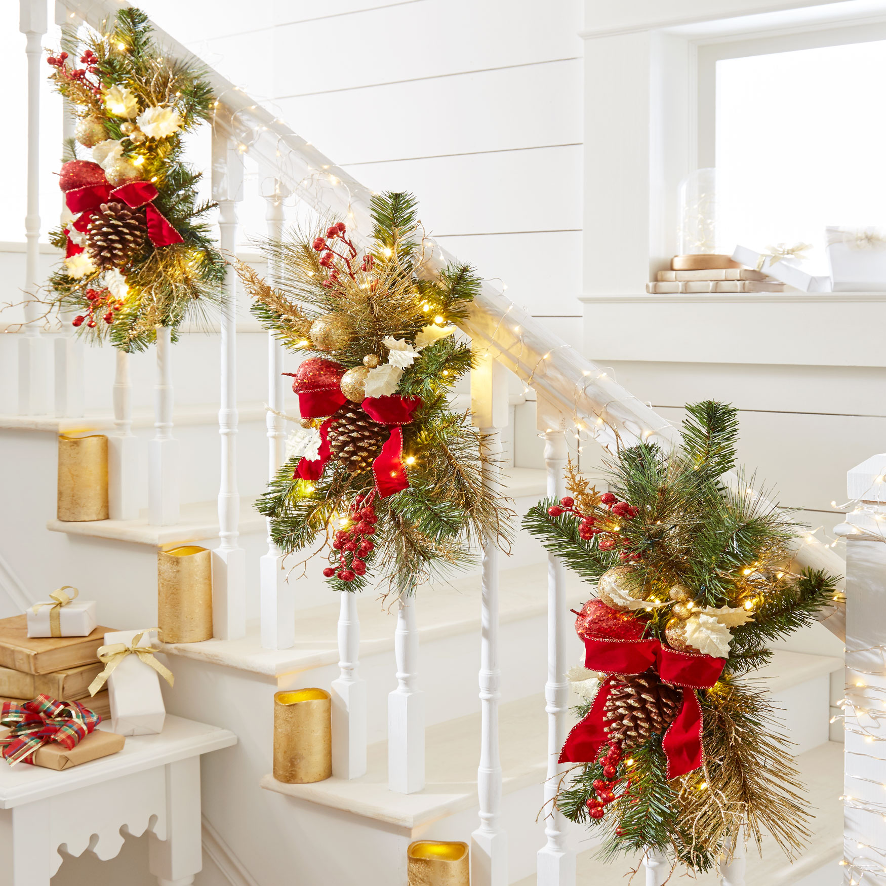 Holiday Classics Stair Swag | Indoor Christmas Décor ...